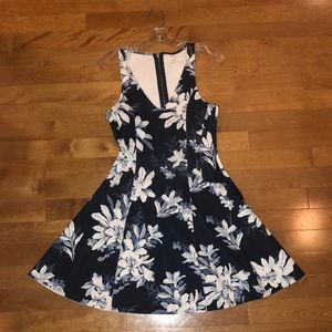 Abercrombie & Fitch Structured Floral Mini Dress
